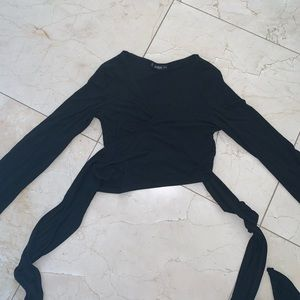 Black long sleeve wrap top!!